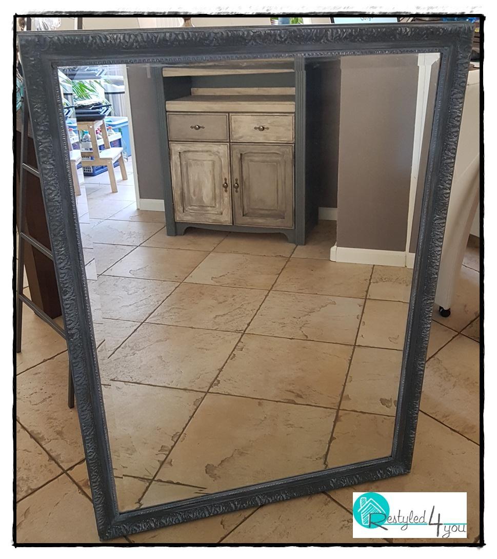 Spiegel grijs1